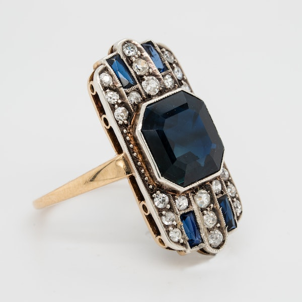 Art Deco sapphire and diamond tablet ring - image 2