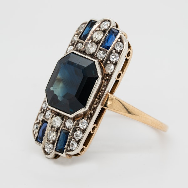 Art Deco sapphire and diamond tablet ring - image 3