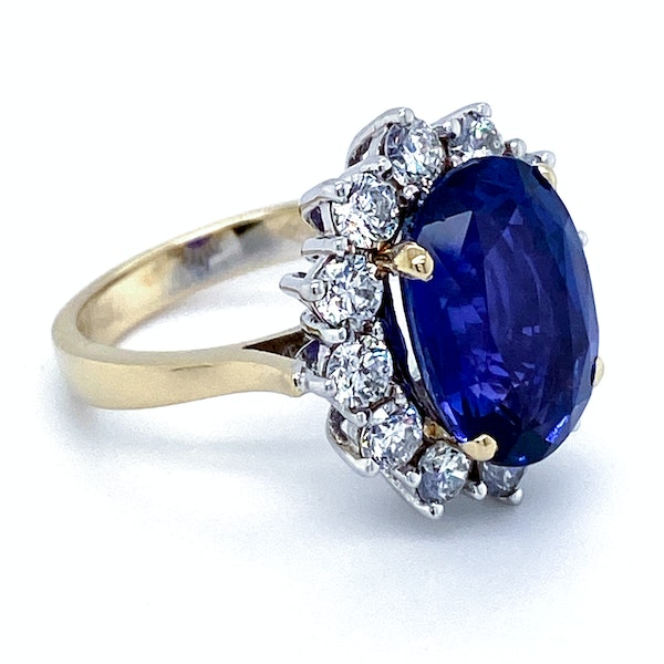 18K yellow/white gold 9.31ct Natural Blue Sapphire and 1.63ct Diamond Ring - image 5