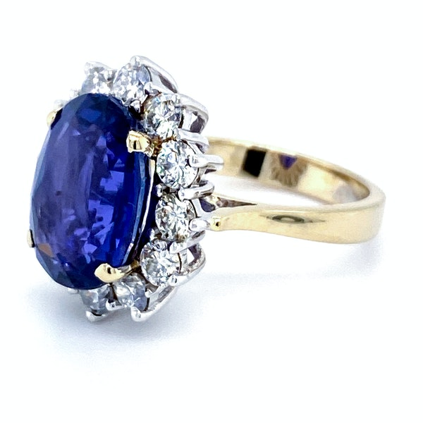 18K yellow/white gold 9.31ct Natural Blue Sapphire and 1.63ct Diamond Ring - image 6