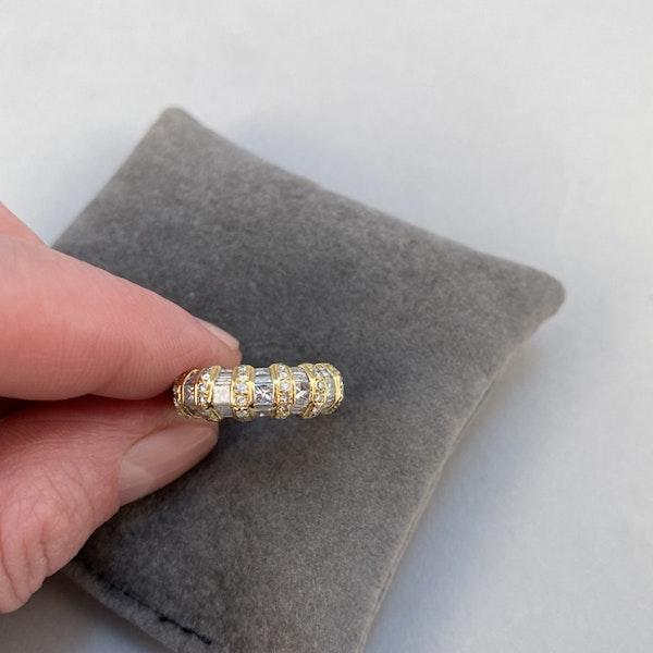 1970's, 18ct White & Yellow Gold Diamond stone set Ring, SHAPIRO & Co since1979 - image 5