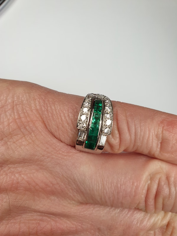 Art deco Emerald and Diamond Ring  DBGEMS - image 4
