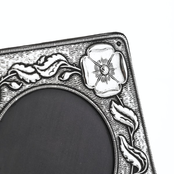 Beautiful Art Nouveau Silver Frame - image 3