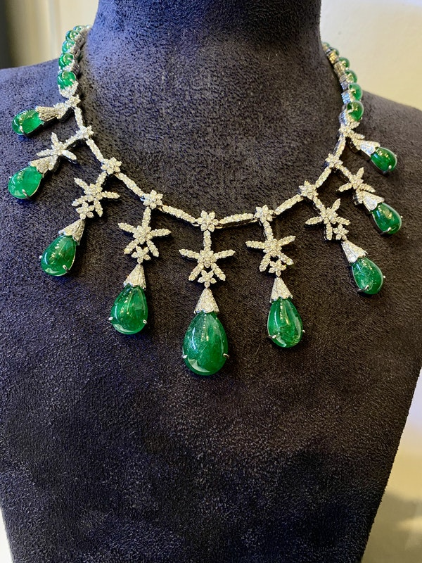 18K white gold Cabochon Natural Emerald and Diamond Necklace - image 3