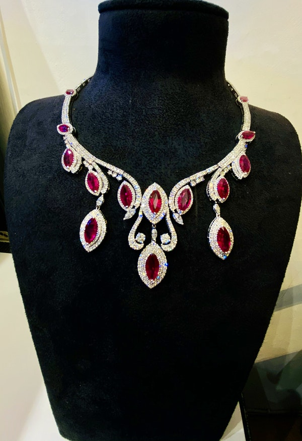 18K white gold Natural Ruby and Diamond Necklace - image 4