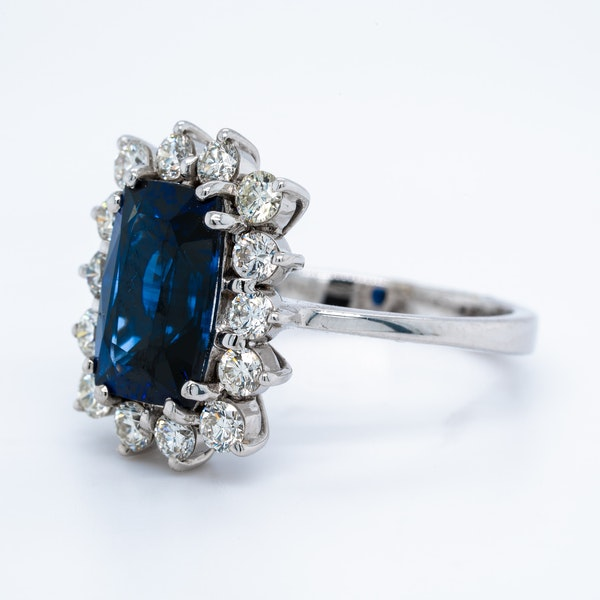 18K white gold 4.08ct Natural Blue Sapphire and 1.00ct Diamond Ring - image 2