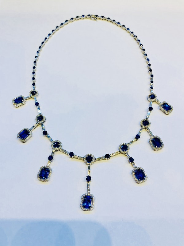 18K white gold 15.70ct Natural Blue Sapphire and 5.12ct Diamond Necklace - image 2