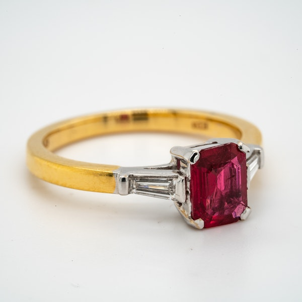 18K yellow/white gold 1.10ct Natural Ruby and 0.18ct Diamond Ring - image 2