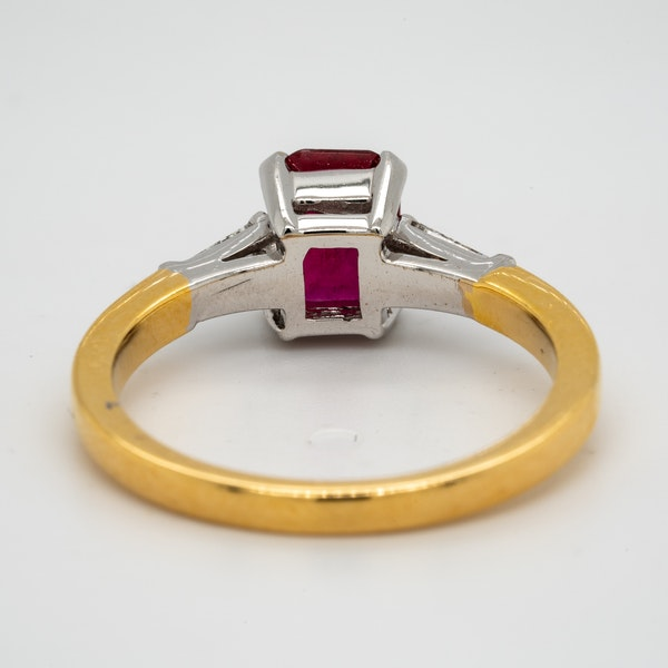 18K yellow/white gold 1.10ct Natural Ruby and 0.18ct Diamond Ring - image 4
