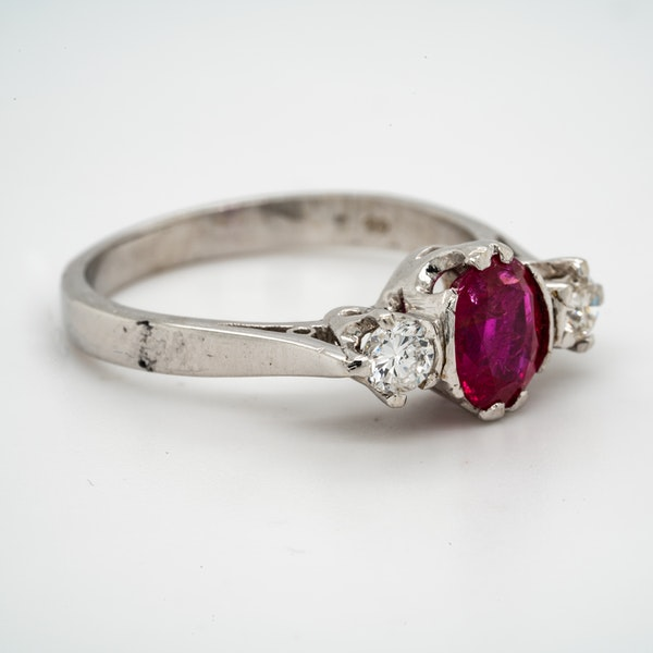 18K white gold 1.20ct Natural Ruby and 0.18ct Diamond Ring - image 2