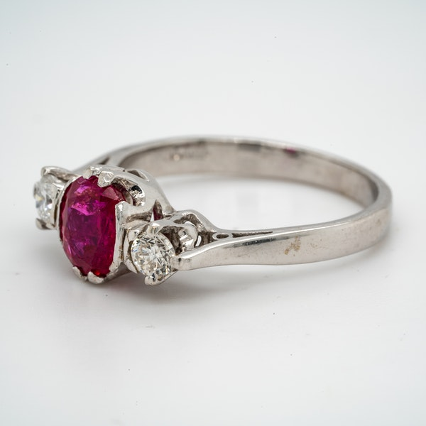18K white gold 1.20ct Natural Ruby and 0.18ct Diamond Ring - image 3