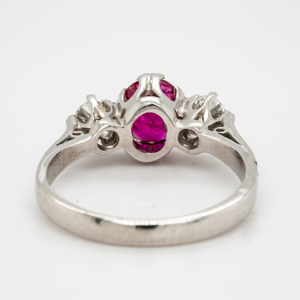 18K white gold 1.20ct Natural Ruby and 0.18ct Diamond Ring - image 4