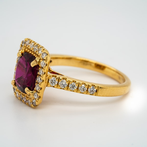 18K yellow gold 2.30ct Natural Ruby and 0.45ct Diamond Ring - image 3