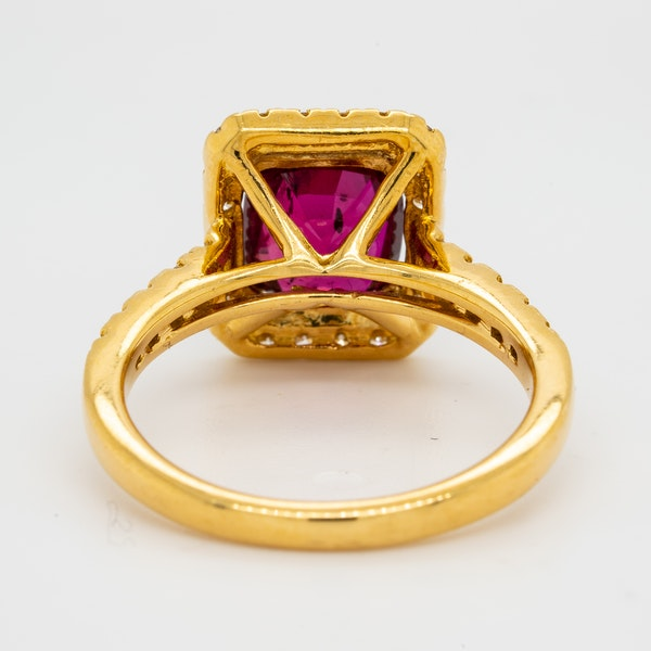 18K yellow gold 2.30ct Natural Ruby and 0.45ct Diamond Ring - image 4