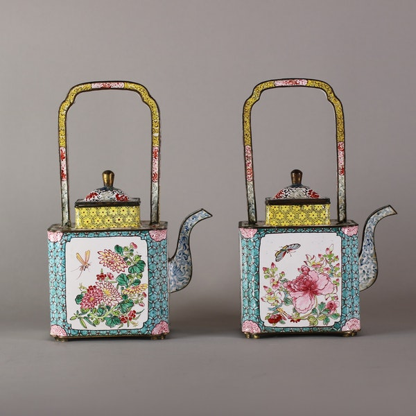 Pair of Chinese Canton enamel ewers, late Qianlong (1735-96) - image 6