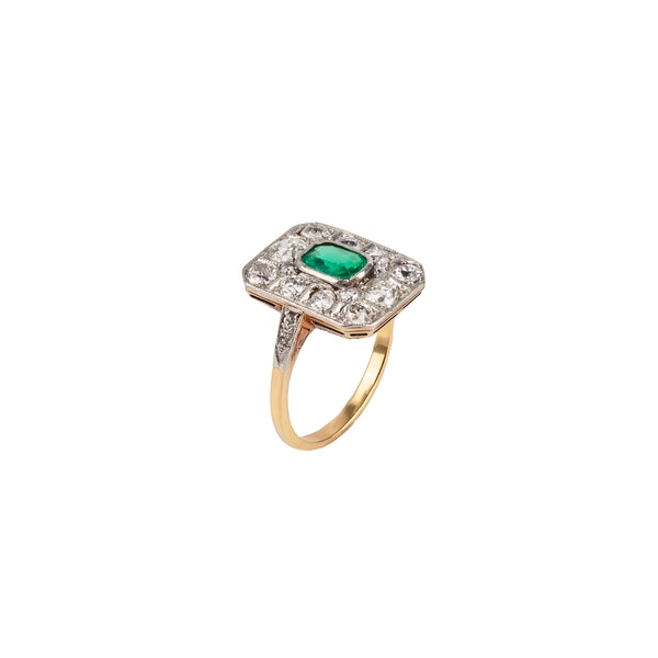Edwardian emerald and diamond ring - image 2