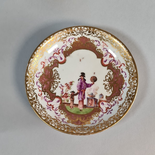 Meissen two-handled beaker and saucer,  the saucer circa 1724 and the beaker slightly later - image 5