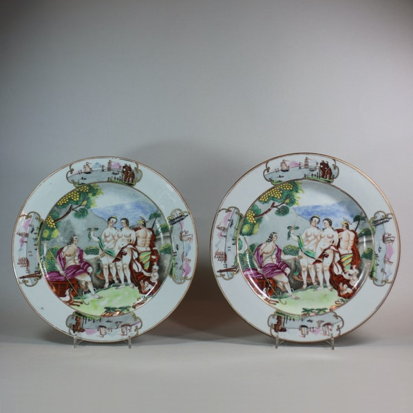 Pair of Chinese Famille Rose 'Judgement of Paris' plates, Qianlong (1736-95) - image 1