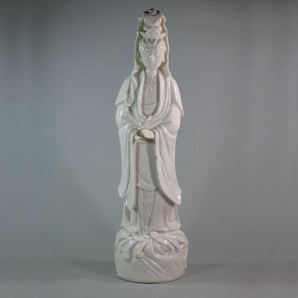 Chinese Blanc de Chine figure of Guanyin, Kangxi (1661–1722) - image 1