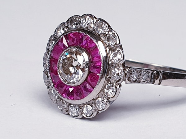 Art Deco Ruby and Diamond Target Ring  DBGEMS - image 3