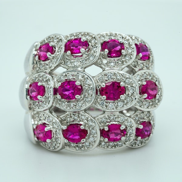 18K white gold 2.50ct Natural Ruby and 0.50ct Diamond Ring - image 1