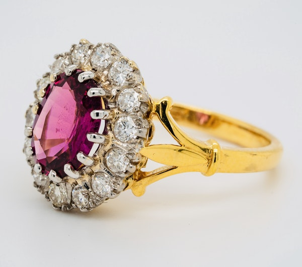 18K yellow/white gold 2.41ct Natural Ruby and 0.80ct Diamond Ring - image 2