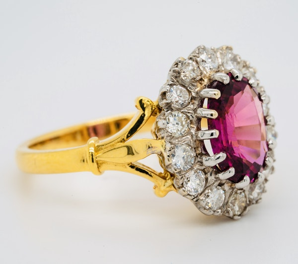 18K yellow/white gold 2.41ct Natural Ruby and 0.80ct Diamond Ring - image 4