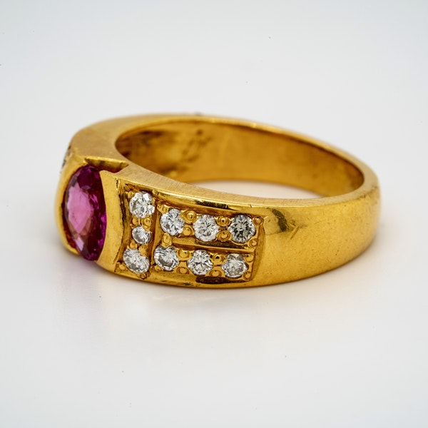 18K yellow gold 2.10ct Natural Pink Sapphire and 0.60ct Diamond Ring - image 3