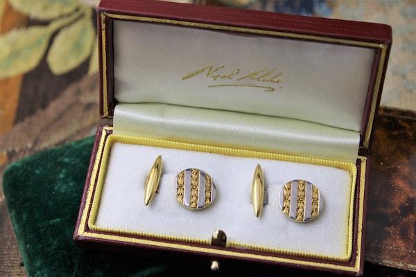 A beautiful pair of 18ct Yellow Gold & Platinum Cufflinks, French, Circa 1930 - image 1