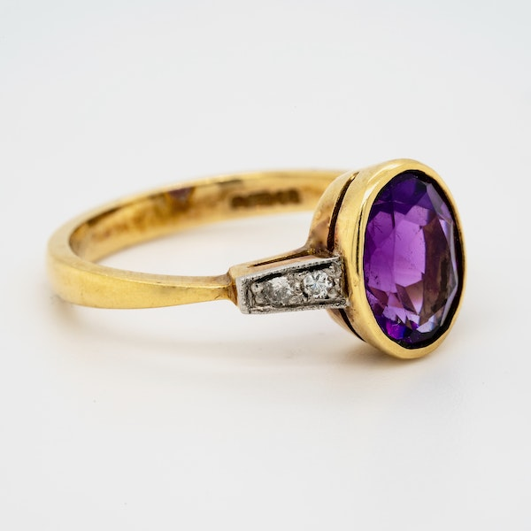 18K yellow gold 2.00ct Amethyst and Diamond Ring - image 2
