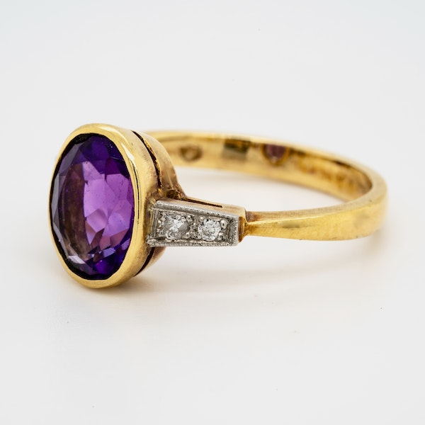 18K yellow gold 2.00ct Amethyst and Diamond Ring - image 3