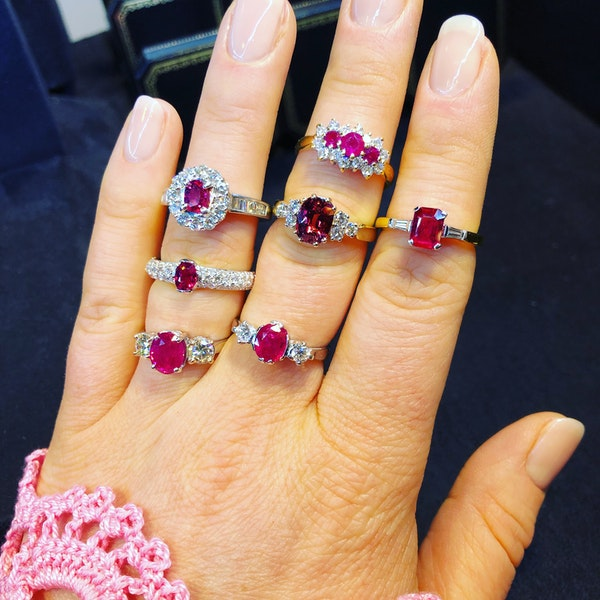 18K yellow/white gold 1.10ct Natural Ruby and 0.18ct Diamond Ring - image 5