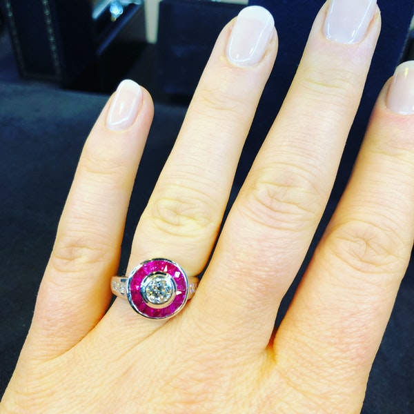18K white gold 1.25ct Natural Ruby and 0.52ct Diamond Ring - image 5
