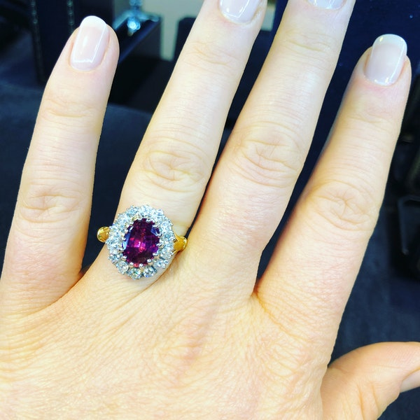 18K yellow/white gold 2.41ct Natural Ruby and 0.80ct Diamond Ring - image 5