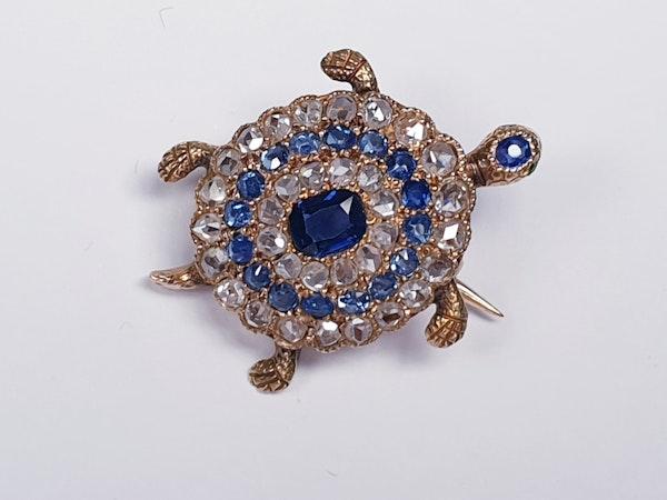 Antique sapphire and diamond turtle brooch  DBGEMS - image 5