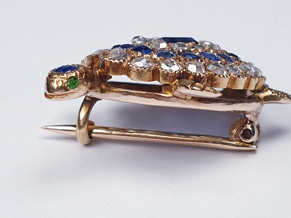 Antique sapphire and diamond turtle brooch  DBGEMS - image 2