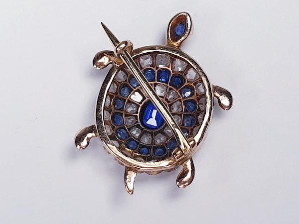 Antique sapphire and diamond turtle brooch  DBGEMS - image 3