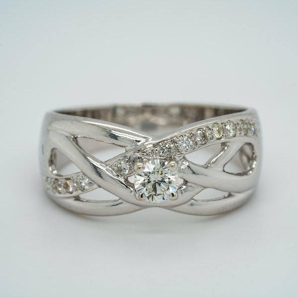 18K white gold 0.30ct Diamond Ring - image 1