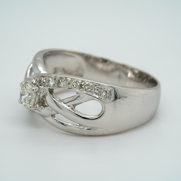 18K white gold 0.30ct Diamond Ring - image 3