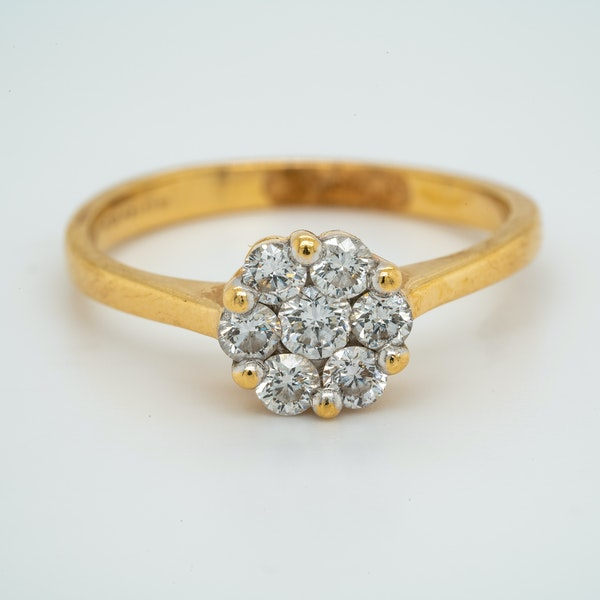 18K yellow gold 0.60ct Diamond Cluster Ring. - image 1