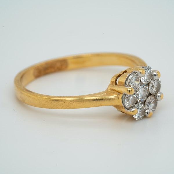18K yellow gold 0.60ct Diamond Cluster Ring. - image 2