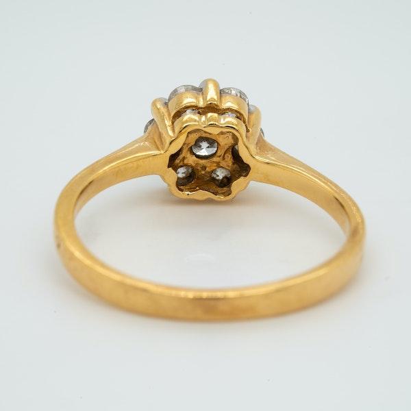 18K yellow gold 0.60ct Diamond Cluster Ring. - image 4