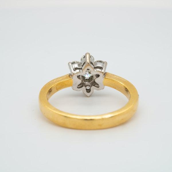 18K white/yellow gold 0.90ct Diamond Cluster Ring - image 4