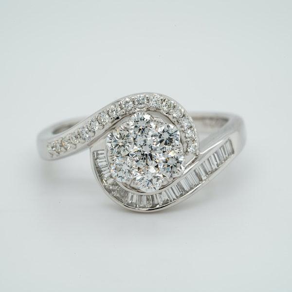 18K white gold 1.00ct Diamond Cluster Ring - image 1