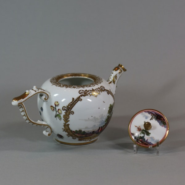 A Meissen teapot and cover, circa 1740 - image 4