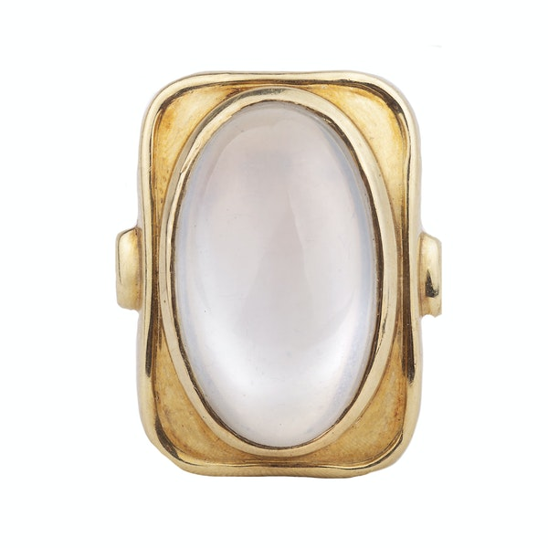 A 1940s Gold Moonstone Ring - image 3