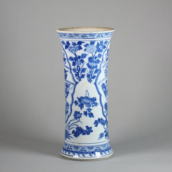Chinese blue and white beaker vase, Kangxi (1662-1722) - image 4