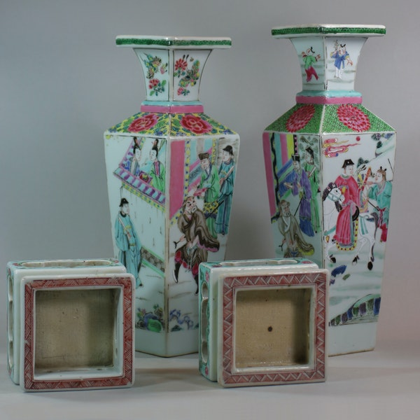 Rare near pair of Chinese famille rose vases and stands, Yongzheng (1723-35) - image 4