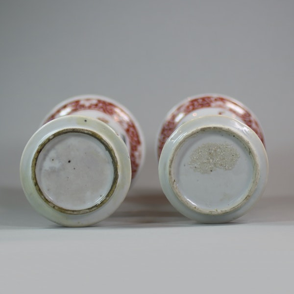 Pair of Chinese famille verte archaistic gu-form vases, Kangxi (1662-1722) - image 5