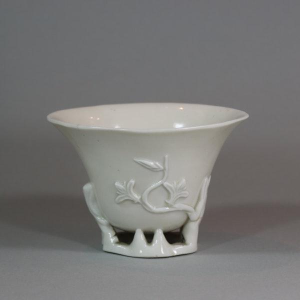 Chinese blanc de chine libation cup, Kangxi (1662-1722) - image 2